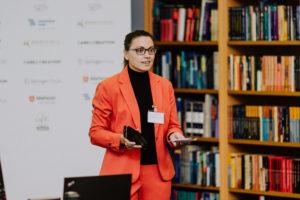 Tatyana Bondartseva präsentierte ihre Idee vor der Jury. Foto: Lukas Schramm