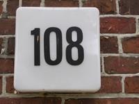 Hausnummer 108