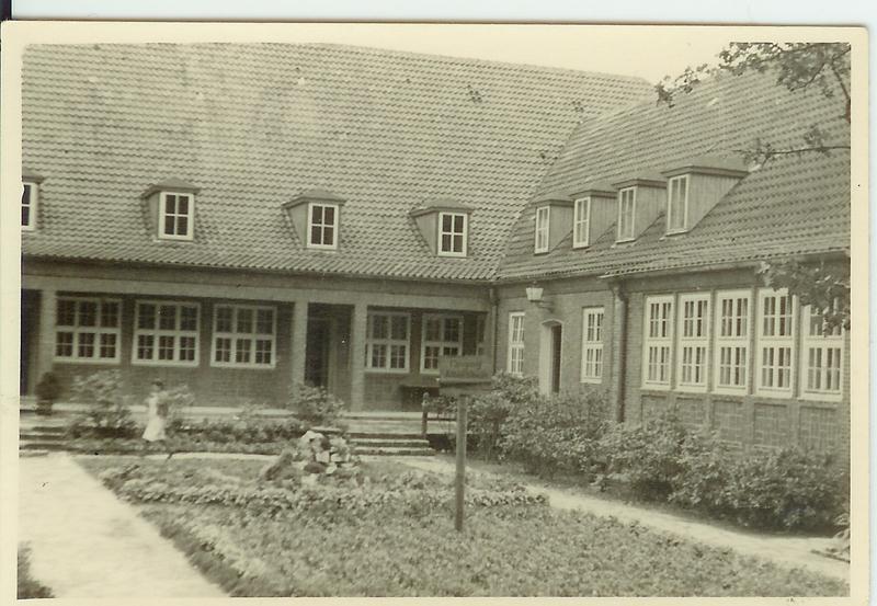 Altes Schwarz-Weiß-Foto vom Pflegeheim Sanderbusch